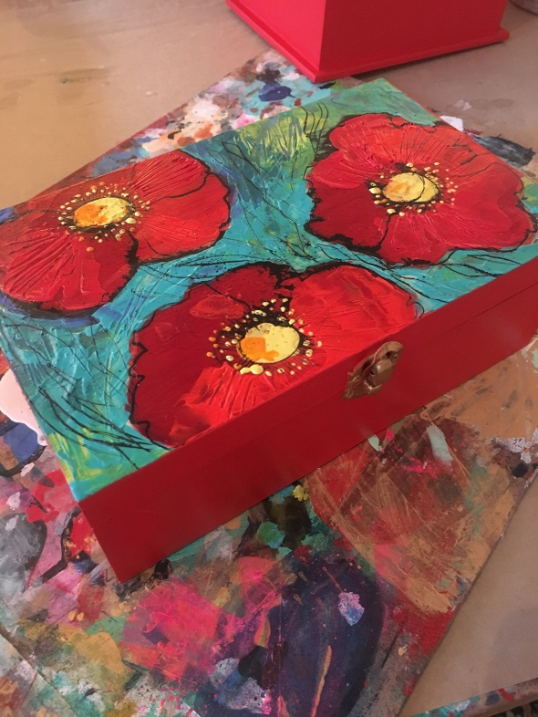 red-poppies-box